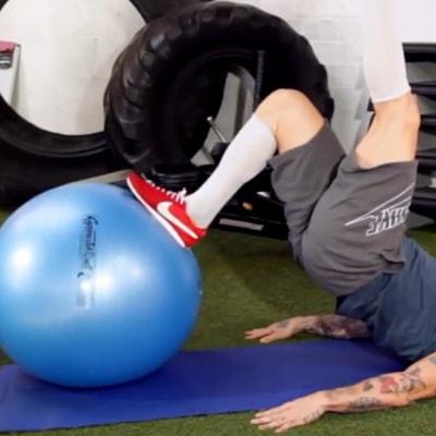 Die besten Übungen mit dem Gymnastikball – Bauchtraining pur