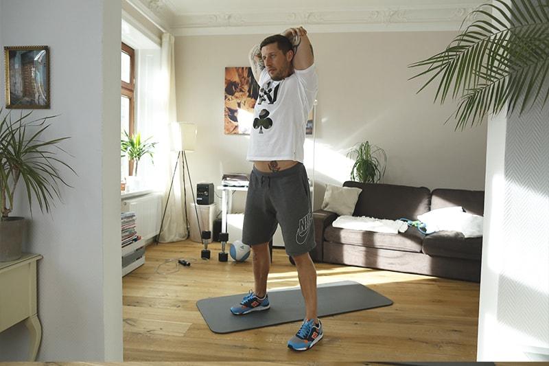 Stretching_Dehnuebungen_Brust