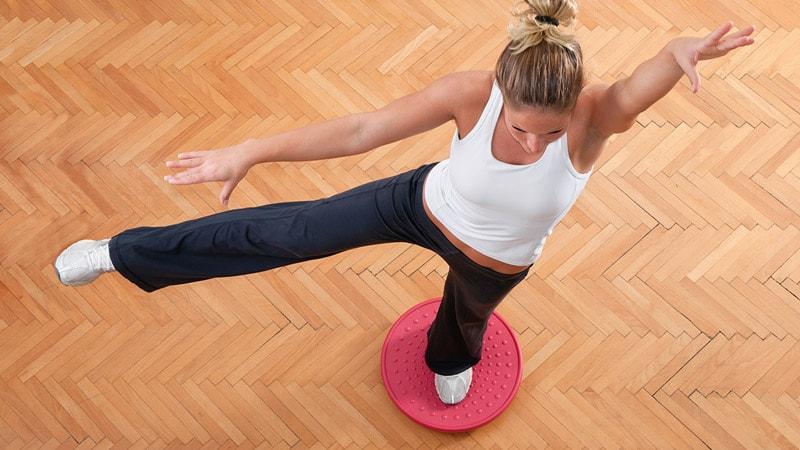 propriozeptives Training mit dem Therapiekreisel und anderen Geräten