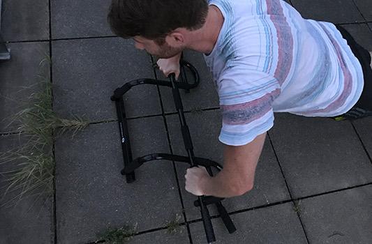 Klimmzugstange für die Tür mit Multigriff - auch für Liegestütz einsetzbar