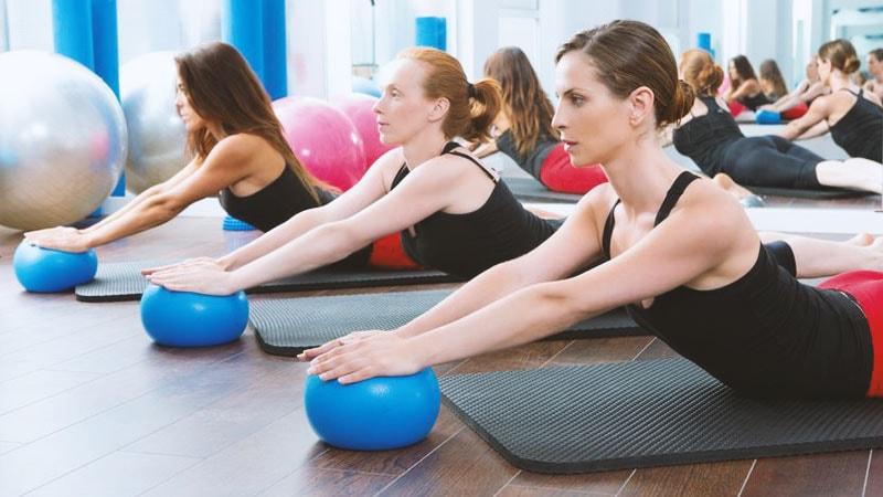 Berühmt Der Pilates Ball - Vorteile, Tipps zum Kauf und viele Übungen @TE_76