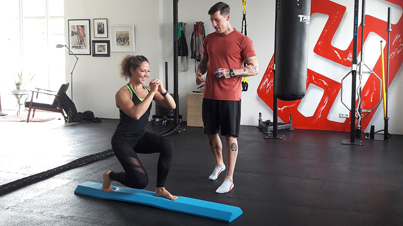 Airex Balance Pad und Balance Beam propriozeptives Training