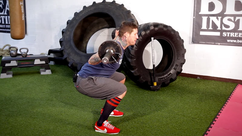 Kniebeugen mit der Langhantel - Langhantel Übungen