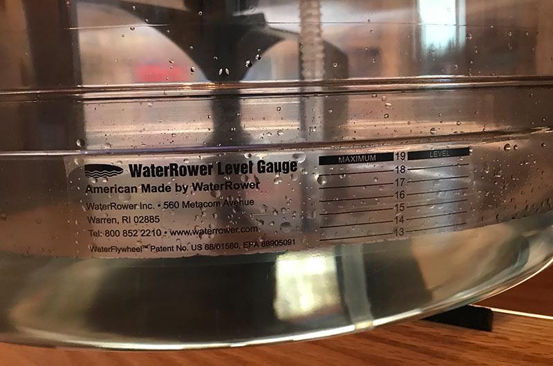 Die Füllhöhe des Wassertanks bestimmt nicht den Widerstand beim Rudern mit dem WaterRower